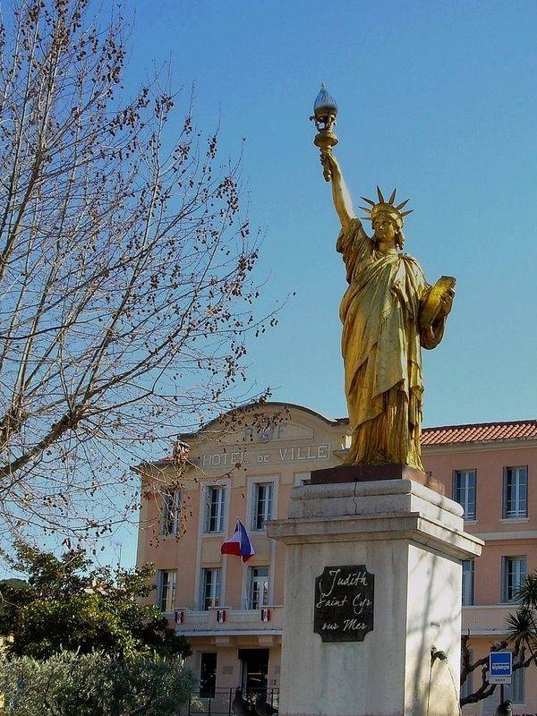 Réplica en St-Cyr-sur-Mer