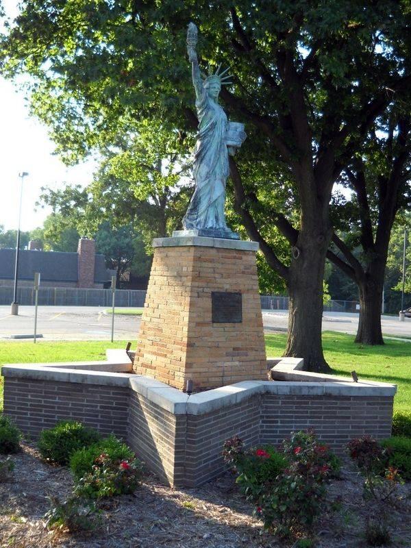 Réplica en Shawnee Mission North