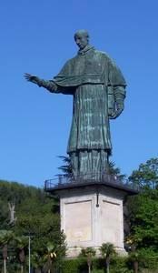 Estatua de San Carlos Borromeo