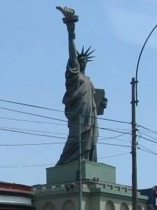 Réplica en Lima
