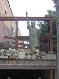 Réplica en Pittsburgh