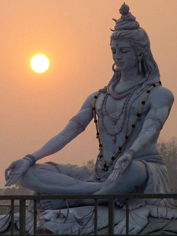 Estatua de Dios Shiva