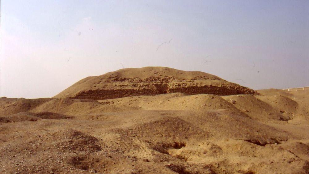 La pirámide de Khaba