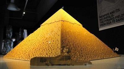 Pirámide en lego