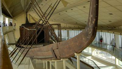 El barco solar del faraón Keops