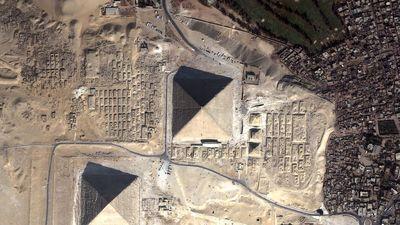 Vista aérea de la pirámide de Keops (click para agrandar)