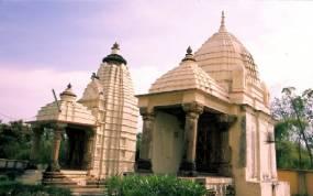 Los templos del sector este: Adinath