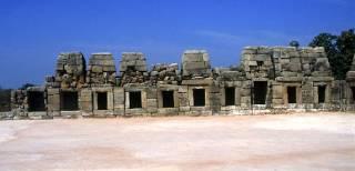 Los templos del sector oeste : Chausath
