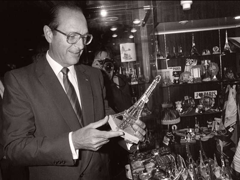 Jacques Chirac inaugurando la Torre Eiffel