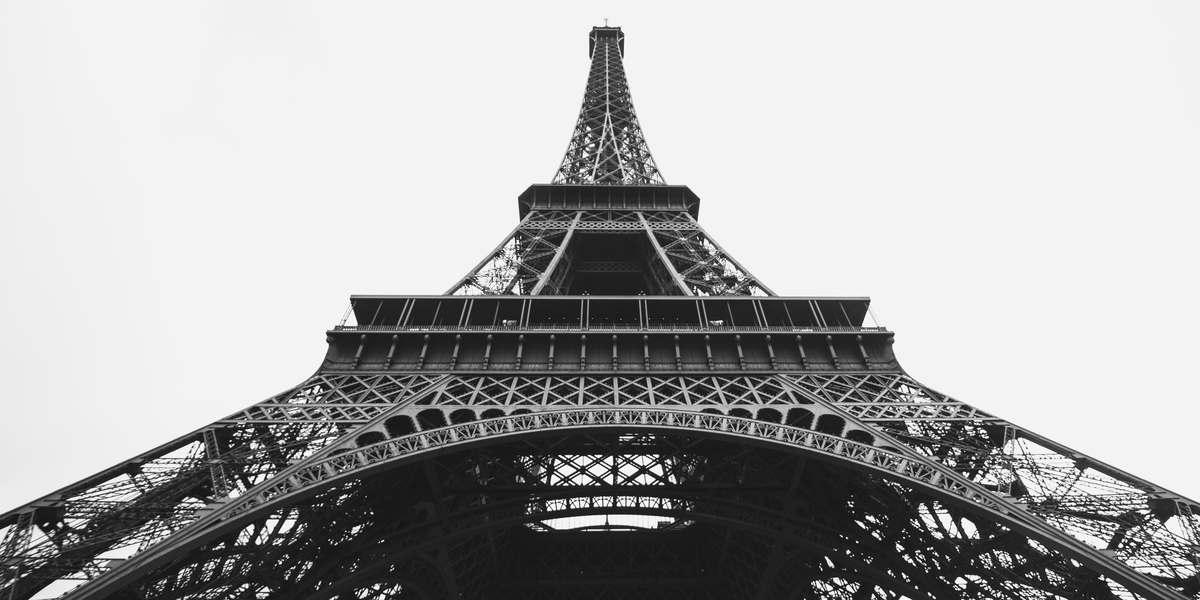 La Torre Eiffel en la tarde, vista de los Campos de Marte
