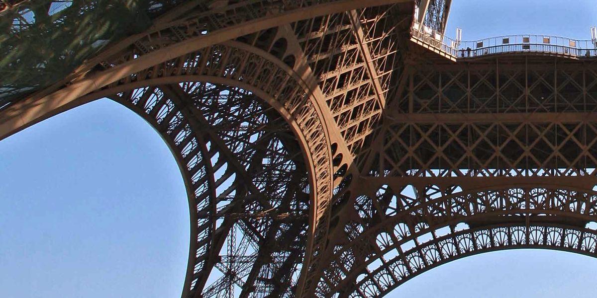 Detalle de la estructura de la torre Eiffel