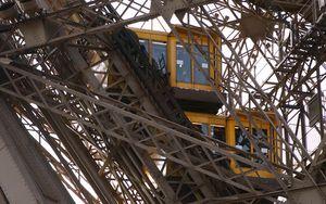 Elevación del pilar oeste