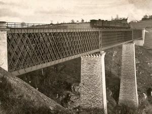 Viaducto en el Tardes