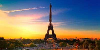 La Torre Eiffel en la noche
