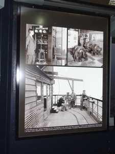 Un cartel que muestra las experiencias realizadas en la torre