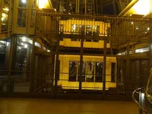 El pozo del ascensor descendiendo hacia el pilar este