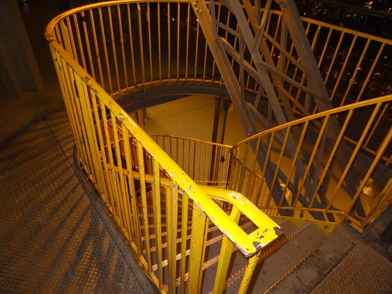 Escaleras entre dos niveles