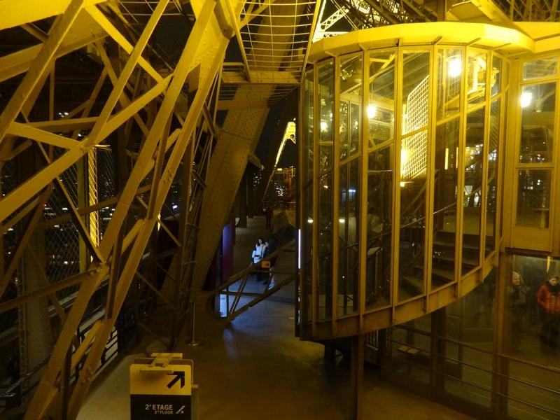 Salida de la escalera entre la 1ª y 2ª planta
